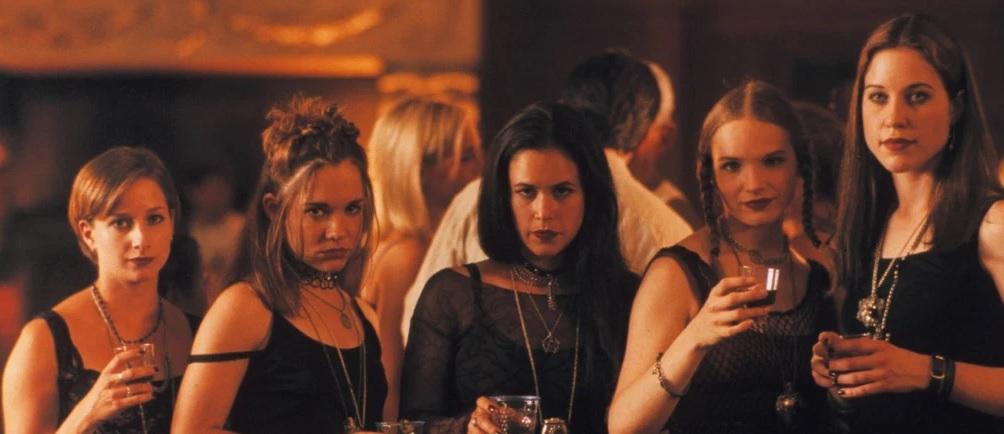 Satan's School for Girls(2000)