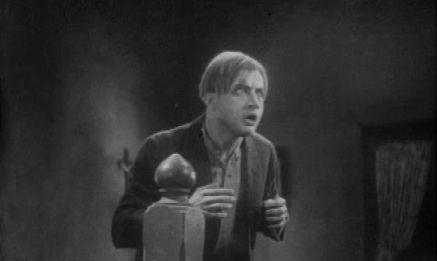 The Vampire Bat(1933)